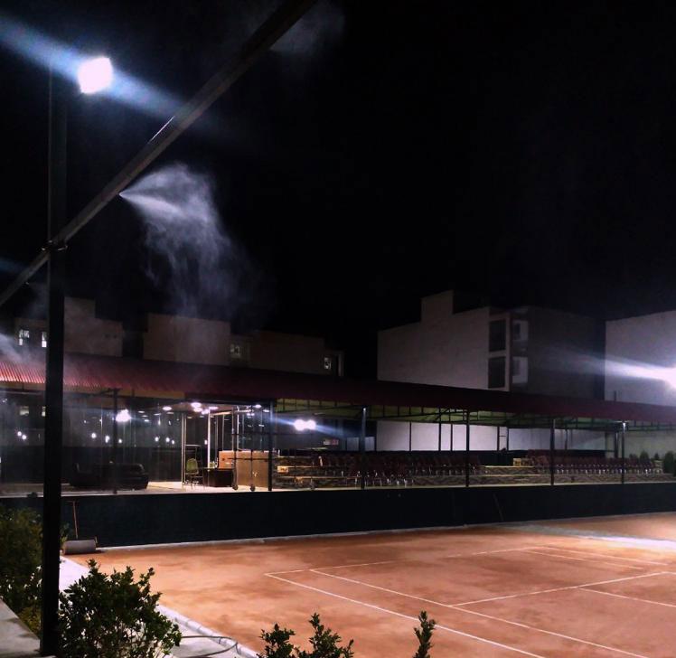 تنیس اکام در شب